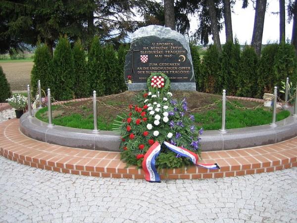 Foto: Wikipedia SPOMEN PLOČA STRELJANIM U BLAJBURGU