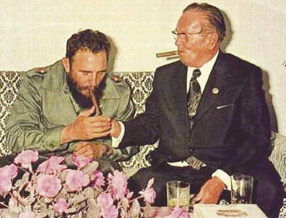Fidel Kastro Tito