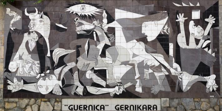 Pablo Pikaso - Guernika / shutterstock