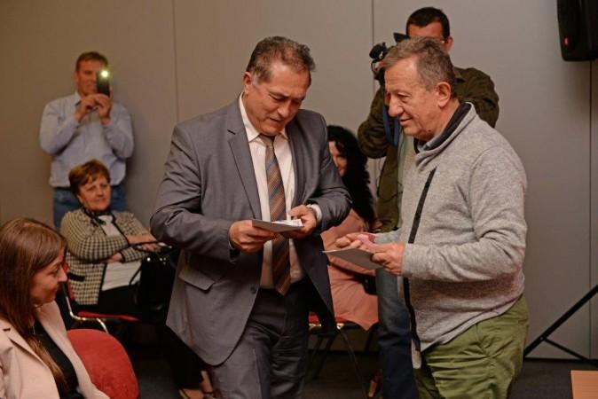 Žika Nikolić, uručio poklon vaučere Odmarališta Dunav na Zlatiboru najsrećnijim učesnicima konferencije