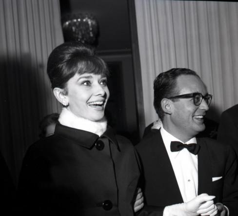 Odri Hepbern i Dino De Laurentis 1961. godine